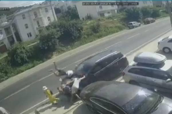 Уснул или отключился. В Анапе пенсионер сбил 6 пешеходов на тротуаре