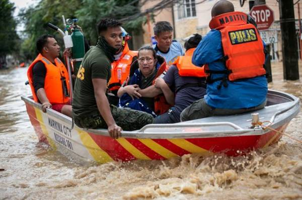 На Филиппинах из-за ливней эвакуировали 13,2 тыс. человек