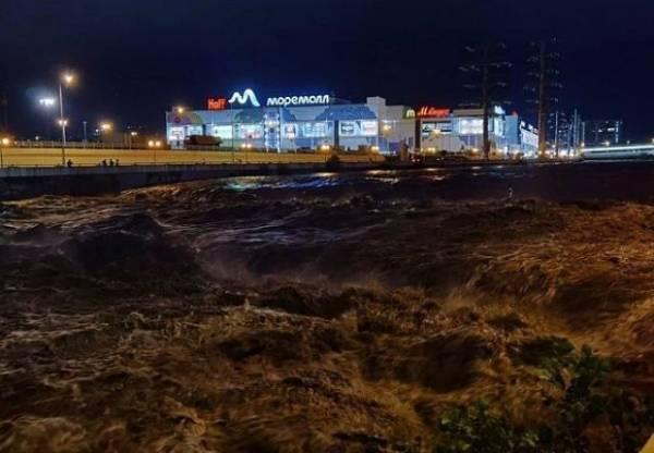 Один человек погиб после сильных ливней в Сочи