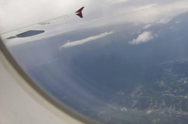 Первый авиарейс перевез более 100 пассажиров поездов перекрытого Транссиба