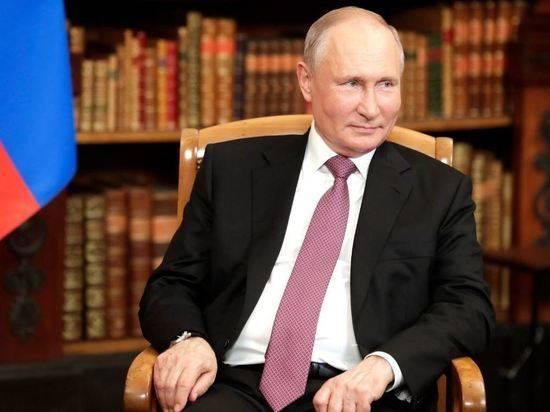 Путин поговорил по телефону с президентом Казахстана