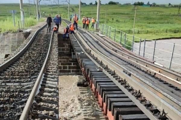 РЖД приступили к восстановлению разрушенного в Забайкалье моста