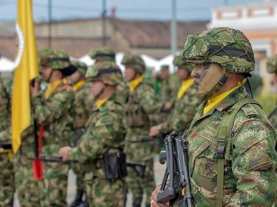 """В Венесуэле обвинили власти Колумбии в создании """"фабрики террористов"""""""