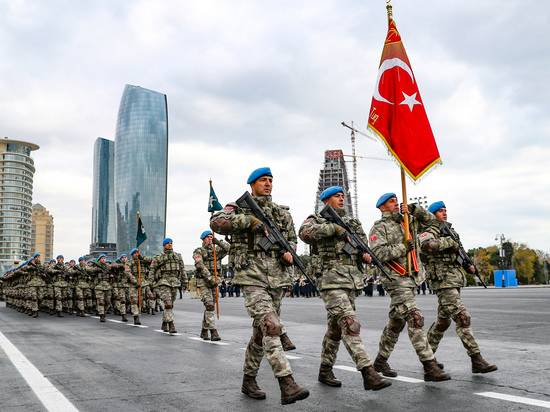 Эксперт оценил угрозы независимости Азербайджана от «тюркской армии»