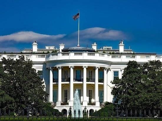 Politico: Белый дом избегает введения санкций против Путина и его окружения