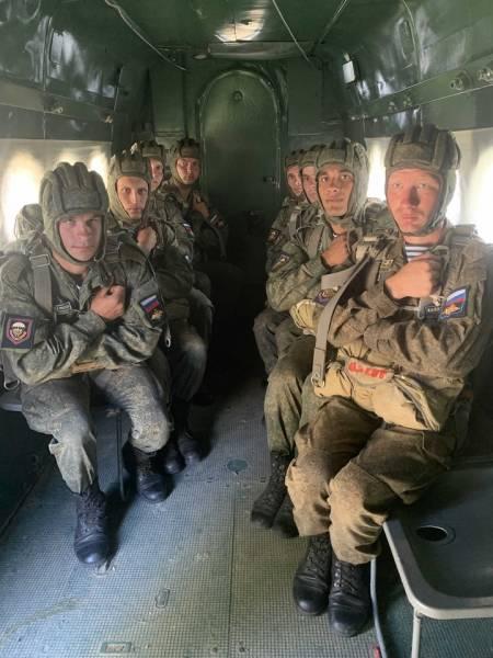 Десантники рассказали о подготовке к первому прыжку с парашютом