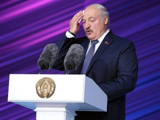 """Лукашенко оценил помощь Байдена Тихановской: """"Даст печенюшку"""""""