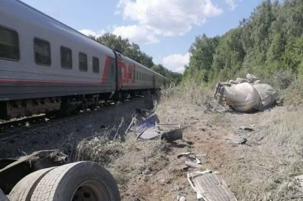 Поезд, столкнувшийся с грузовиком под Калугой, прибыл в Москву