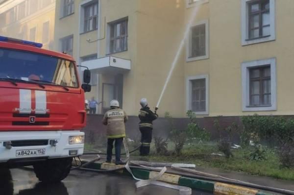 В МЧС рассказали, как спасали студентов из общежития в Нижнем Новгороде