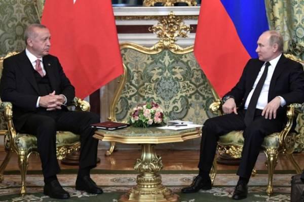 Эрдоган поблагодарил Путина за помощь в борьбе с пожарами на юге Турции