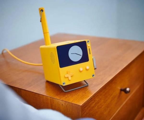 Необычную портативную консоль Playdate раскупили по предзаказам за считанные минуты