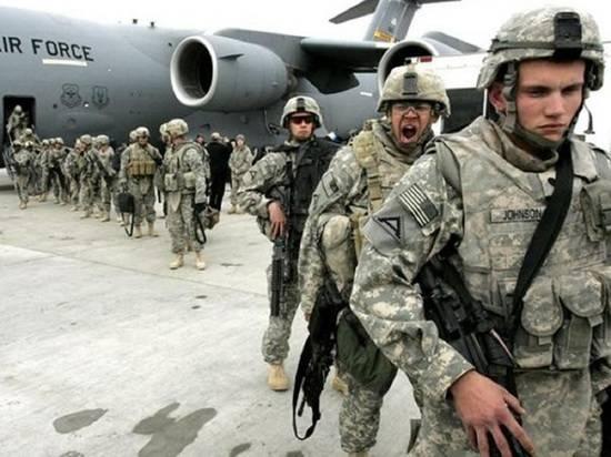Военные применили слезоточивый газ в аэропорту Кабула