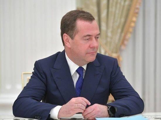 Медведев не появится на совещании Путина с правительством и «ЕР»