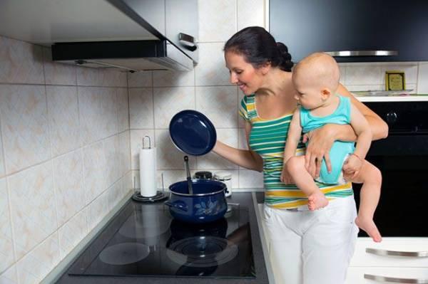 Польза с рождения. Чем уникально грудное молоко и какие мифы с ним связаны