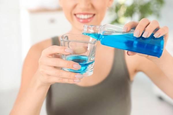 Больше свежести. Как правильно использовать ополаскиватели для рта?