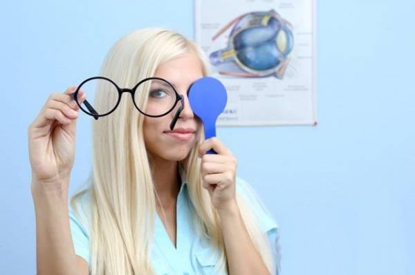 Для пользы глаз. Нужно ли делать лазерную коррекцию зрения?