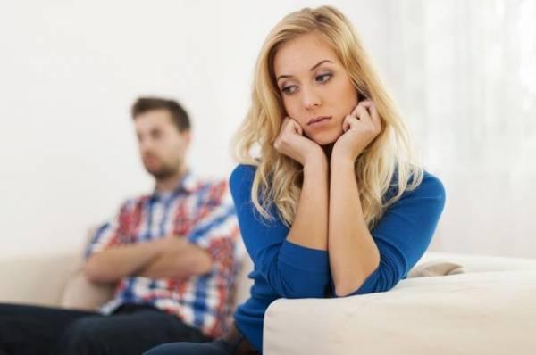 Отставить «душевный стриптиз». Женские ошибки в начале отношений