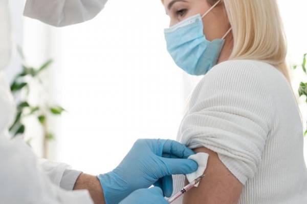 Что будет, если человек, инфицированный коронавирусом, привьется от него?