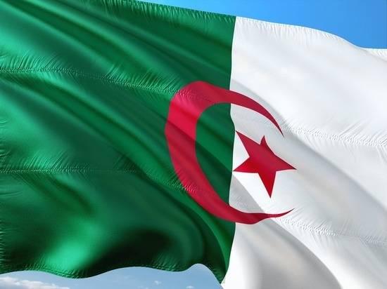 Конец эпохи Бутефлика: названа причина смерти экс-президента Алжира