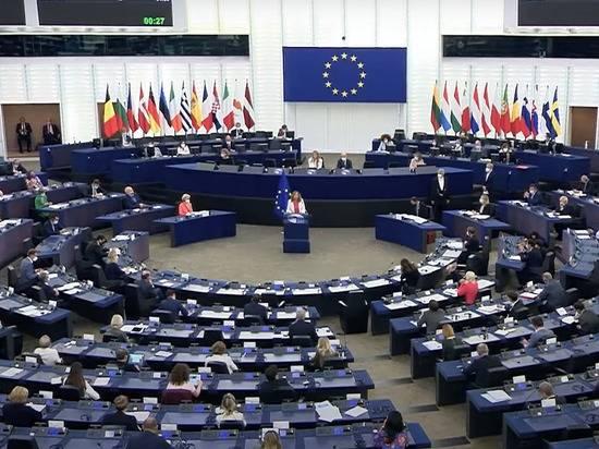 «Они в истерике»: немецкий политолог объяснил антироссийскую резолюцию Европарламента