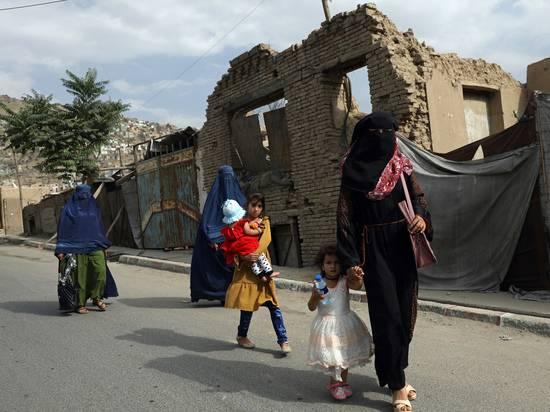 Талибские власти Афганистана решили судьбу женщин: в школу только мальчикам