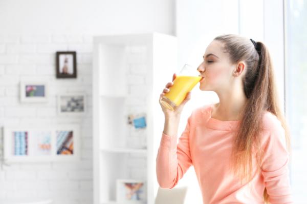 По стакану в день. Учёные доказали, что сахар в соках безопасен