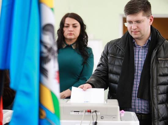 «Единая Россия» оказалась лидером по упоминаниям в Сети в дни голосования