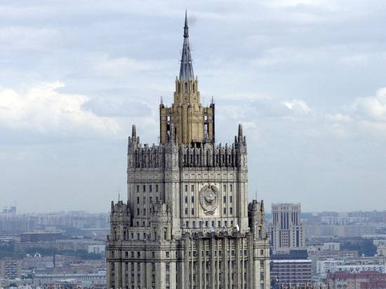 МИД России пообещал ответ США за невыдачу визы Слуцкому