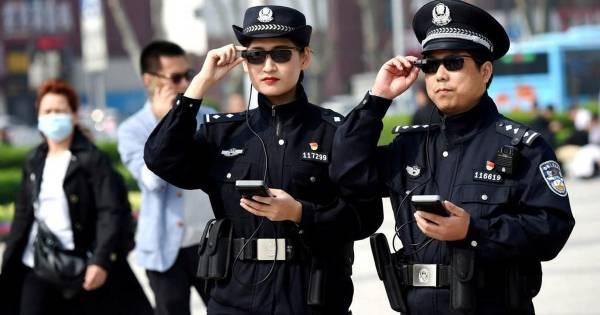 В Китае арестовали 469 мошенников, которые притворялись девушками и разводили мужчин на деньги в онлайн-играх