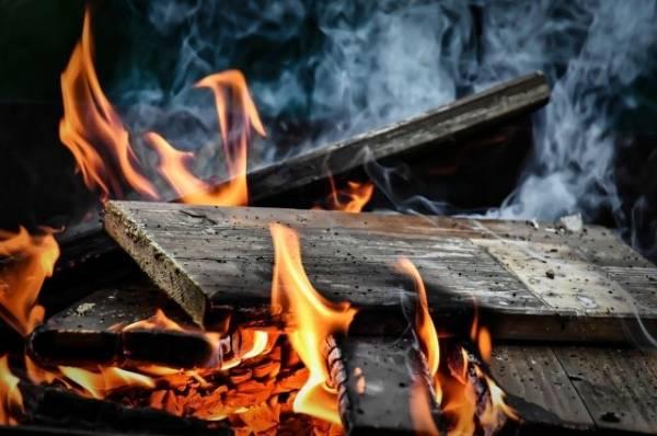 В Петропавловске-Камчатском пять человек погибли при пожаре в жилом доме