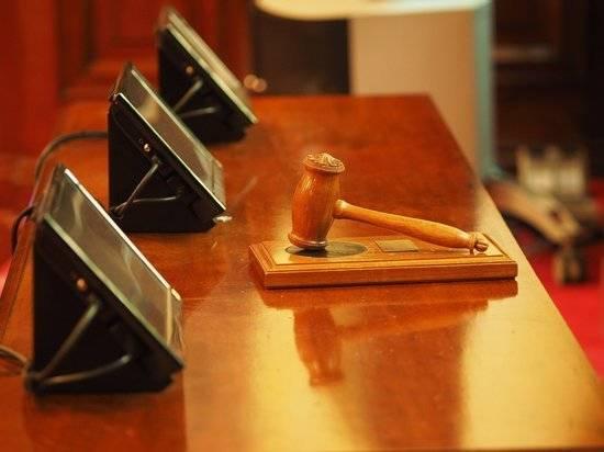 Коммунист Лобанов оспорил в суде победу телеведущего Попова на выборах