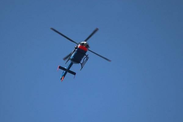 На Камчатке вертолет опрокинулся на бок при заходе на посадку