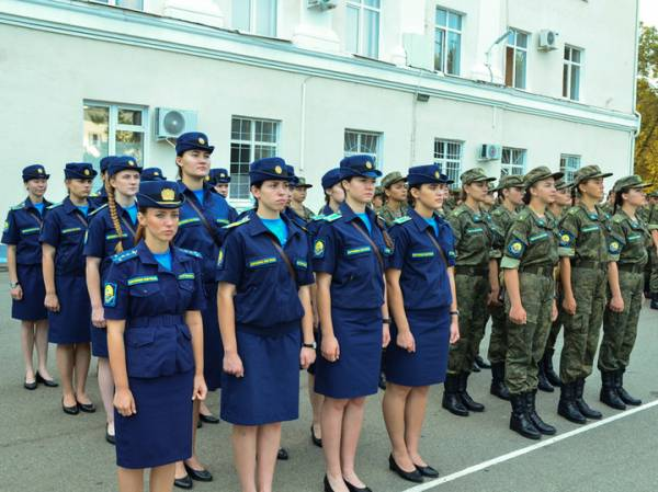 Генерал ВВС рассказал, что мешает женщинам стать истребителями
