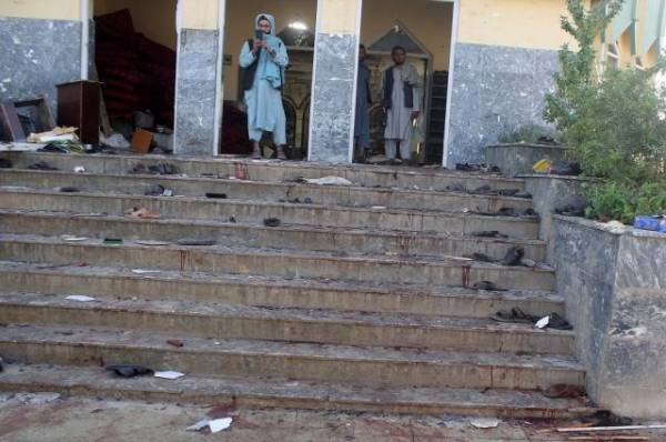 Количество погибших при взрыве в афганской мечети возросло до 150