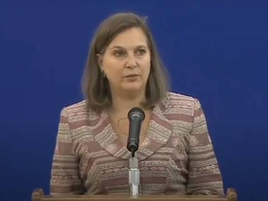 Baijiahao: Виктория Нуланд оскорбила Россию неуместным нарядом на встрече