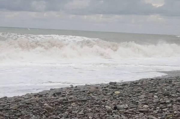 Судно ВМС Украины получило повреждение в Черном море
